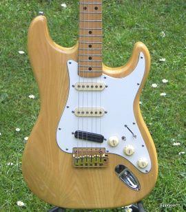 Verkaufe Vintage E-Gitarre von Hohner: Kleinanzeigen aus Schotten - Rubrik Gitarren/-zubehör