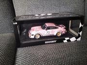 Modellauto Porsche 934 1 18