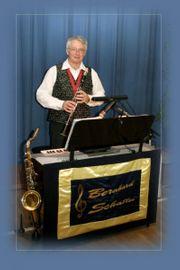 Alleinunterhalter Musiker Keyboard Gesang Saxophon