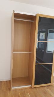 Kleiderschrank IKEA schwarze Glasfront