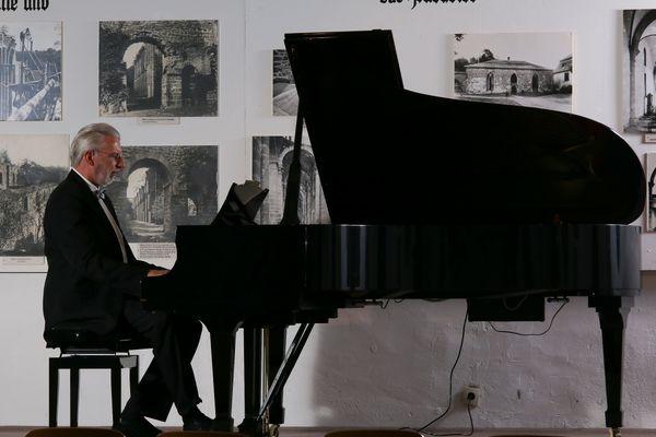 Klavier- und Flügelstimmer
