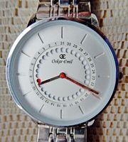 Neuwertig Design-Marken-Armbanduhr Gliederarmband in Uhr-Box