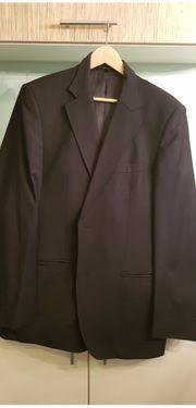 Anzüge und Hemden
