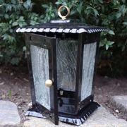 Schwarze Grablaterne Stahlblech mit Tür