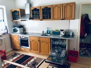 Küche aus robustem Massivholz