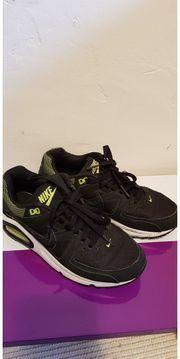 Nike Airmax in Schwarz Grün
