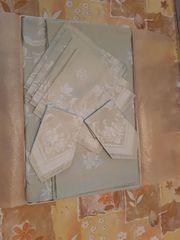 Damast- Tischdecke mit 6 Servietten