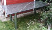 Wohn- Esszimmer Tisch poliertes Granit