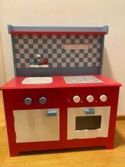 Holz-Spielküche mit vielen Extras