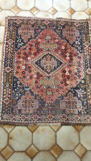 Handgearbeiteter Teppich