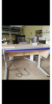 Schreibtisch und Stuhl von Moll