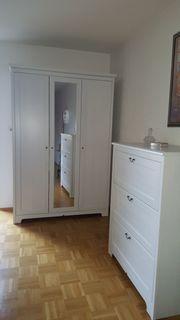 Neuwertiges weißes Schlafzimmer von Ikea