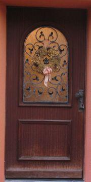 Holzhaustür der Firma Biffar Mahagonifarben
