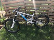 Downhill Bike Canyon Torque DHX