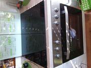 Küche weiß mit E-Geräten und