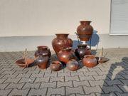 Variation von Krügen Vasen Schalen