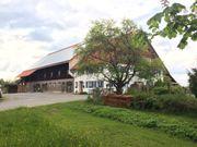 Reitstall hat Pferdeboxen Stellplätze Offenstall