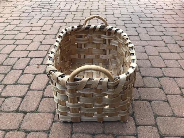 Korb geflochten für Holz zum