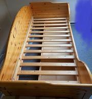 gebrauchtes Holz-Bett inkl Matratze