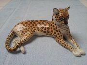 Nymphenburger Porzellan - liegender Gepard - Figur