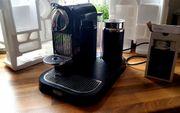 DeLonghi Nespresso Kaffeemaschine mit Milchschäumer