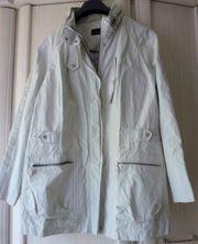 Wetterfeste Jacke - Größe 46 - - Marke