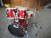 Schlagzeug der Marke Pearl