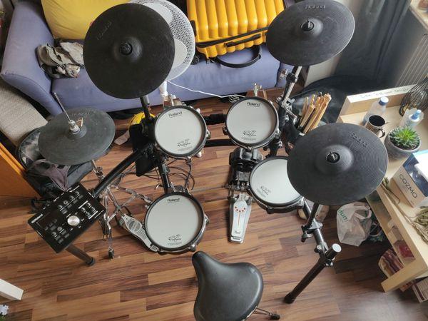 VERHANDELBAR Schlagzeug E-Drum Roland TD-25K