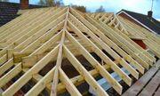 Dachdecker mache Dach arbeite