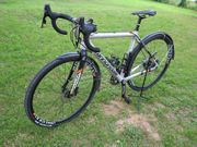 Cannondale CAAD SRAM Rival Disc