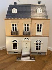 Miniatur Puppenhaus mit viel Zubehör