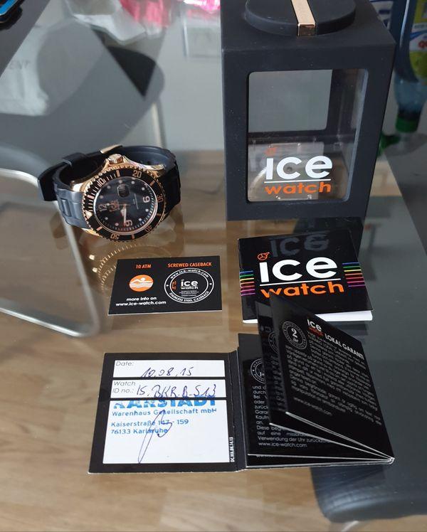 Hochwertige schwarz-goldene Ice Watch mit