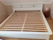 Bett aus FSC-zertifiziertem Kiefernmassivholz