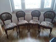 4 sehr gut erhaltene Vintage-Stühle