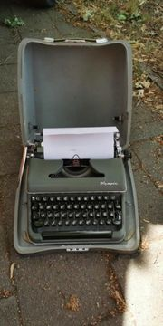 Alte Koffer Schreibmaschine