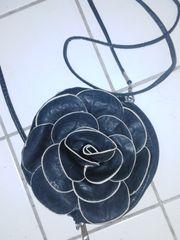 6 neue Damen - Leder-Handtaschen Rose