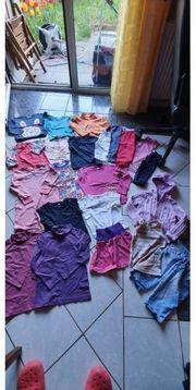 Schönes 22 teiliges Kleidungspaket für