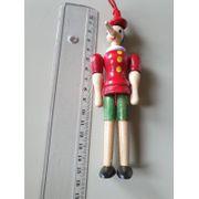 Pinocchio aus Holz mit Schlaufe