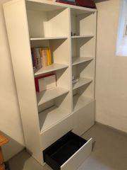 Bücherregal mit Schubladen weiß