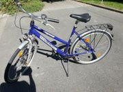 28 Zoll blaues Fahrrad der