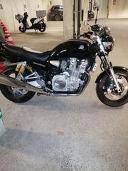 Verkaufe wegen Platzmangel Yamaha XJR