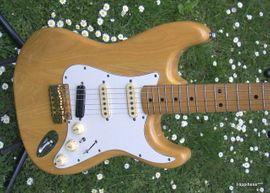 Bild 4 - Verkaufe Vintage E-Gitarre von Hohner - Schotten