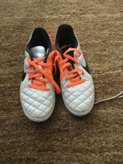 Verkaufe Fußballschuhe Nike Gr 34