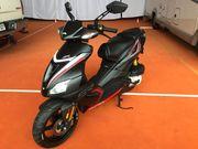 2015er Aprilia SR50R Mofa in