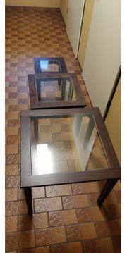 3 Stylische Holztische mit Glaseinsatz