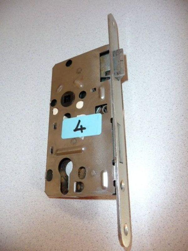 Korridor-Einsteckschlösser PZ 1xlinks 1xrechts 8