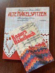 Alte Häkelzeitschriften und Bücher