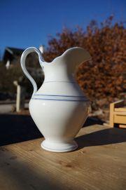 Antiker dekorativer Waschkrug aus Porzellan -