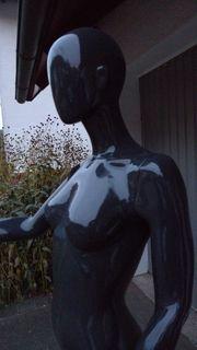 Weiblicher Torso mit Kopf Schaufensterpuppe