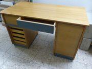 Schreibtisch Holz furniert und lackiert